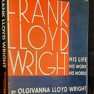 Hardcover FRANK LLOYD WRIGHT